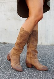 OVYE BROWN BOOTS