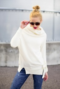MITIKA CREAM SWEATER